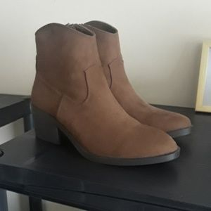 Brown ankle boots - New without tags